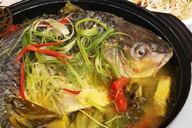 Cá chép om dưa dễ gây ung thư dạ dày