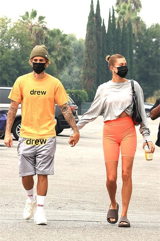 Bị công kích, vợ Justin Bieber từng không muốn thân mật với chồng trước công chúng - Ảnh 1.
