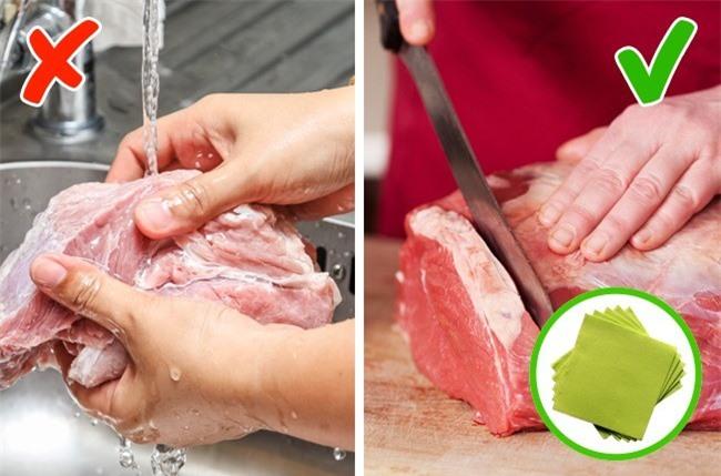 Đừng rửa những loại thực phẩm này trước khi nấu nếu không muốn rước thêm vi khuẩn và bệnh vào người các mẹ ơi! - Ảnh 2.