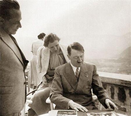Ảnh chưa từng công bố về người vợ xinh đẹp của Hitler - 17