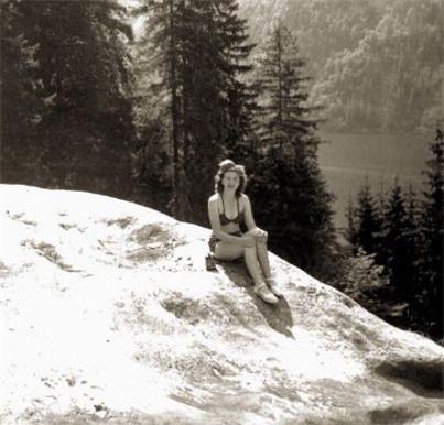 Ảnh chưa từng công bố về người vợ xinh đẹp của Hitler - 8