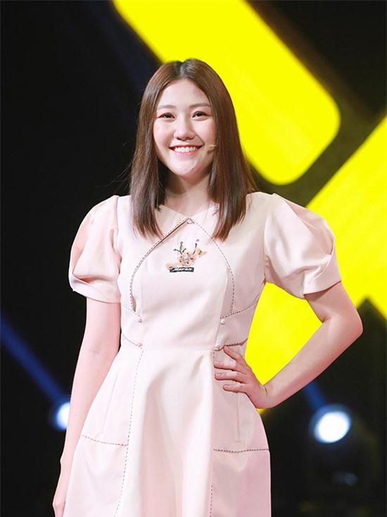 Cô ra mắt màn ảnh rộng với vai phụ trong phim 'Oppa phiền quá nha' năm 2019. Trước đó, Uyển Ân đóng vai người con trong web drama 'Bố già' của Trấn Thành và góp mặt trong 'Gia đình Mén' của chị dâu Hari Won.[Caption]