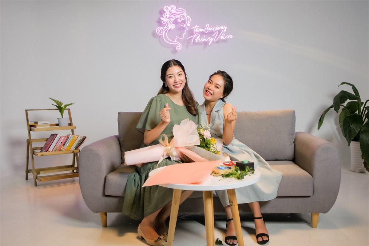 Talkshow Tâm sự cùng Thuý Vân do chính á hậu sản xuất và giữ vai trò host. Ở tập một, á hậu chọn chủ đề Phụ nữ lạc quan mở toang cuộc sống cùng câu chuyện của khách mời Hà Nguyễn.