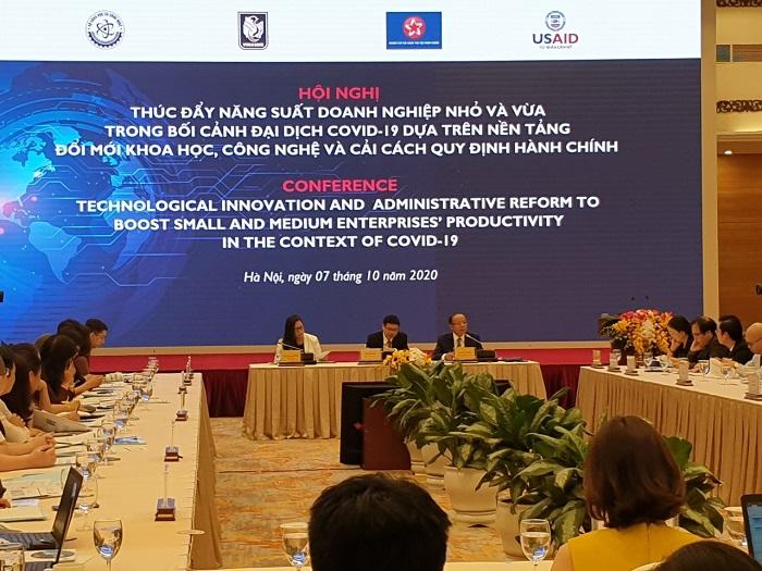 """Hội nghị """"Thúc đẩy năng suất doanh nghiệp nhỏ và vừa Việt Nam trong bối cảnh đại dịch Covid-19 dựa trên nền tảng đổi mới khoa học công nghệ và cải cách quy định hành chính""""."""