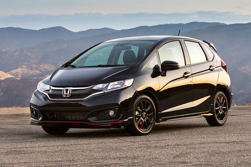1. Honda Fit - Honda Jazz 2020 (giá khởi điểm: 16.190 USD, điểm tổng thể: 8,7/10).