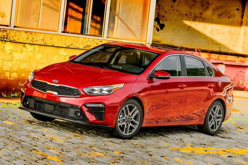 3. Kia Forte - Kia Cerato 2020 (giá khởi điểm: 17.890 USD, điểm tổng thể: 8,3/10).