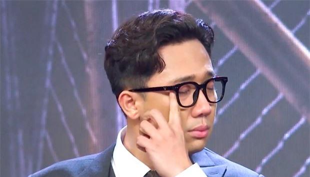 Mít ướt liên tục trên truyền hình, Trấn Thành quyết tâm đổi nghệ danh Thành Cry nhưng cũng không yên với Quang Trung - Ảnh 4.