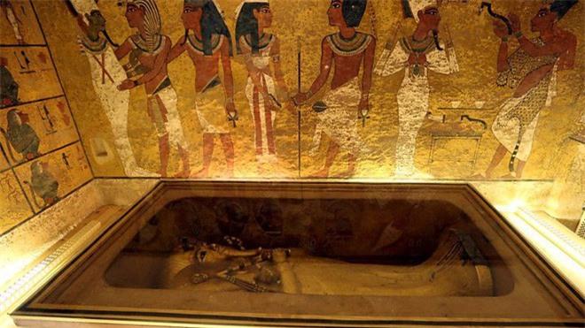 Vua Tut đã cho khắc trong lăng mộ của mình những lời cảnh báo: 'Kẻ nào dám quấy rối giấc ngủ của Pharaoh, đều phải chết'