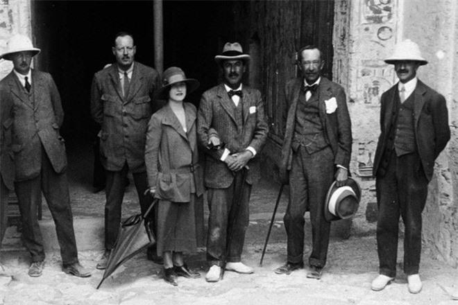 Một số thành viên trong nhóm khảo cổ