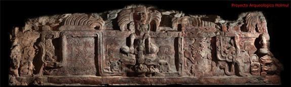 Bức phù điêu 1.400 năm tuổi được cho là mặt tiền của một tòa tháp cổ ở Petén, cách thủ đô của Guatemala khoảng 600km về phía bắc. Ảnh: Telegraph