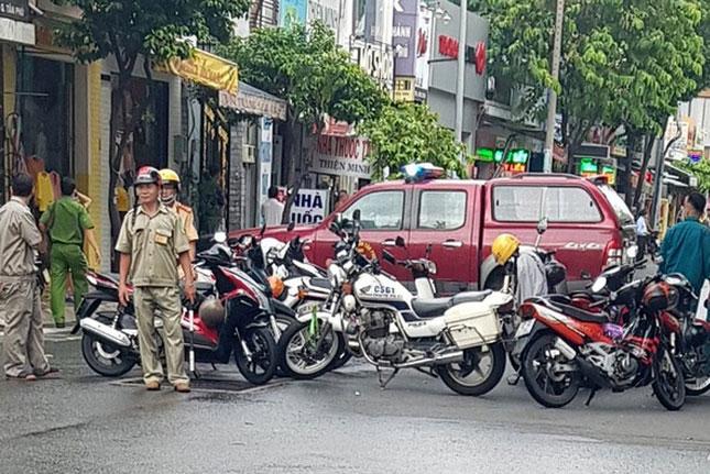 Cảnh sát phong tỏa hiện trường (Ảnh: Zing)