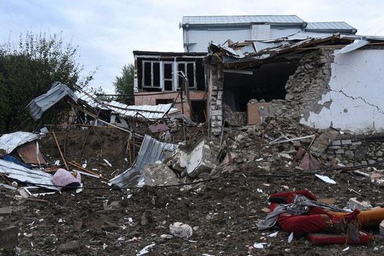 Khu vực Nagorno-Karabakh gồng mình sau hai tuần giao tranh dữ dội. Ảnh: Reuters.