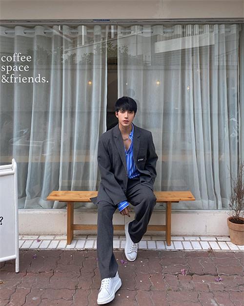 Kye Nguyễn nhấn mạnh, đã là stylist hạng A thì bạn cần đặt mục tiêu lớn cho bản thân trong nhiều mảng miếng khác nhau. Không đơn thuần là chụp những bộ hình hay chuẩn bị đồ đi sự kiện cho nghệ sĩ....