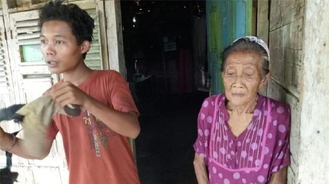 Chàng trai 16 tuổi từng dọa tự tử để cưới cụ bà 71 tuổi cách đây 3 năm giờ có cuộc sống ra sao? - Ảnh 3.
