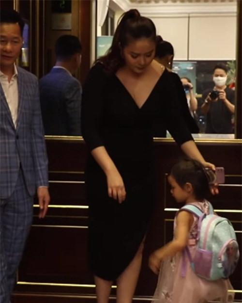Hình ảnh Phan Như Thảo bị cho là kém sắc trong sự kiện hôm 8/10.