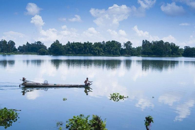 Búng cung cấp nước ngọt sinh hoạt cho người dân trong vùng và vùng phụ cận. Ảnh: Nguyen Chau.