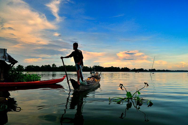Búng còn là địa điểm du lịch hấp dẫn du khách trong và ngoài nước. Ảnh: Diem Dang Dung.