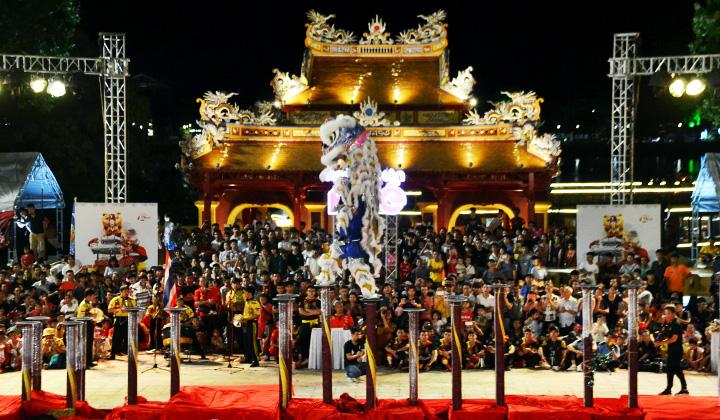 Ngày hội Lân Huế, một trong những sự kiện nhằm kích cầu du lịch vào cuối năm 2020.