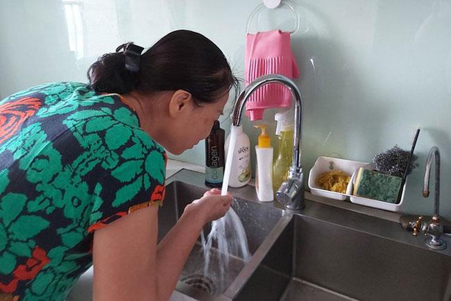Giá bán nước sạch được xem xét điều chỉnh tối đa một lần một năm. (Ảnh minh họa: Dân trí)