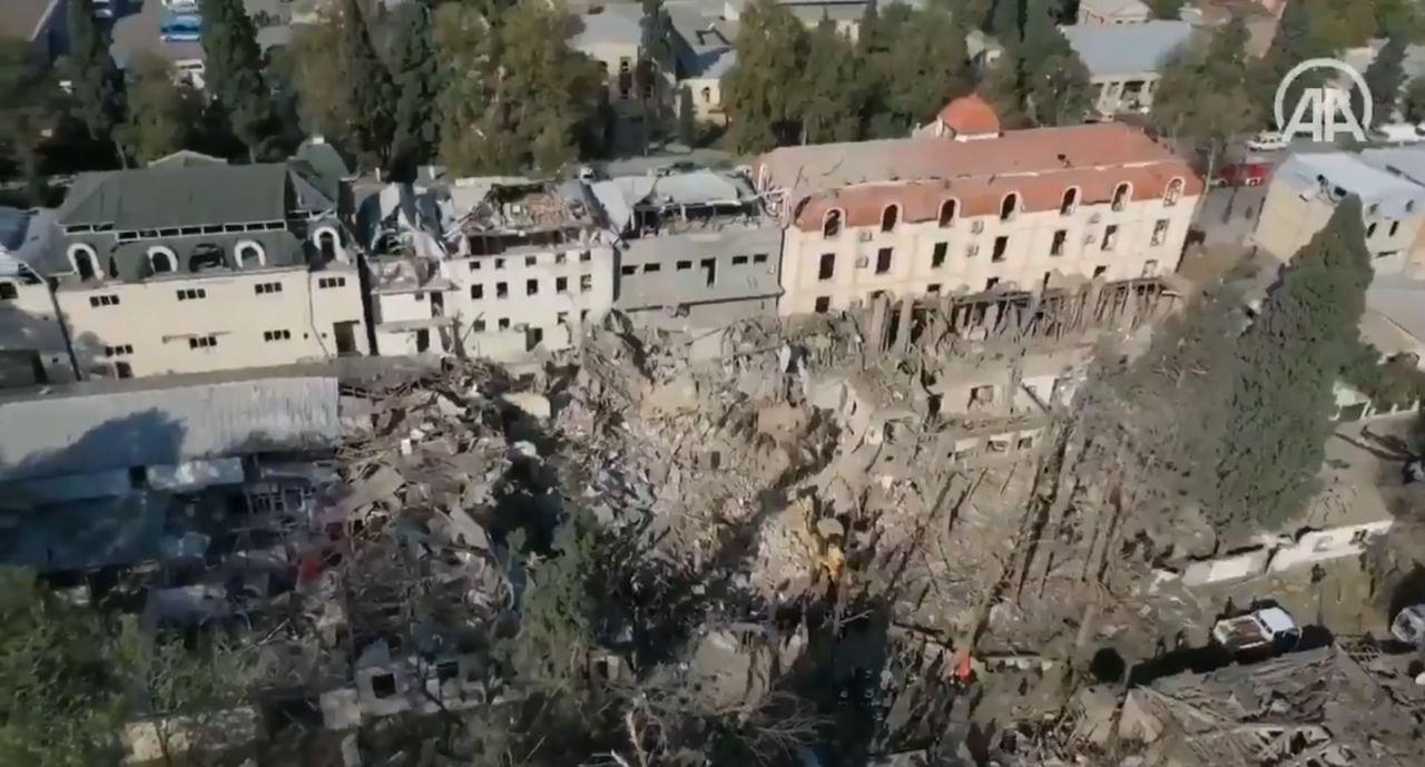 Một khu vực của Azerbaijan bị Armenia tấn công bằng tên lửa đạn đạo. Ảnh: Avia-pro.