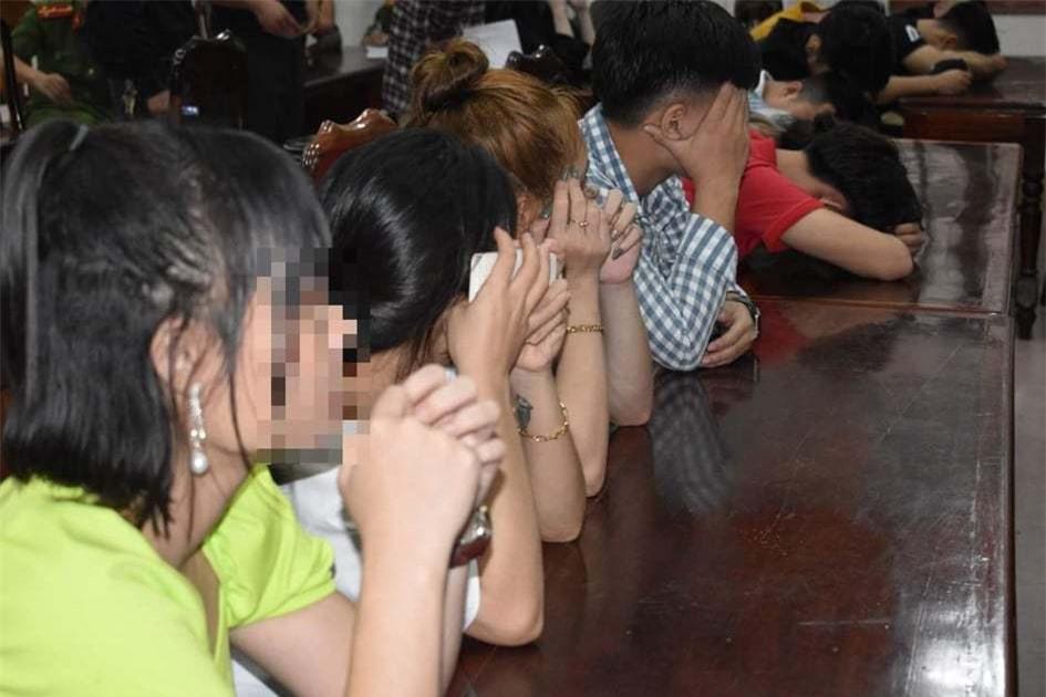 Bất chấp mưa lũ, 29 thanh niên tụ tập sử dụng ma túy ở Quảng Trị