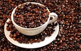 Sử dụng cà phê để khử sạch mùi bám trên hộp nhựa là một mẹo vặt gia đình hay các mẹ không nên bỏ qua