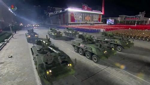 Xe tăng bánh lốp thế hệ mới của Triều Tiên. Ảnh: KCNA.