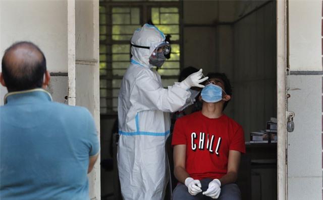 Hơn 37,7 triệu ca nhiễm COVID-19 trên thế giới, số người mắc bệnh ở Ấn Độ vượt ngưỡng 7 triệu - Ảnh 3.