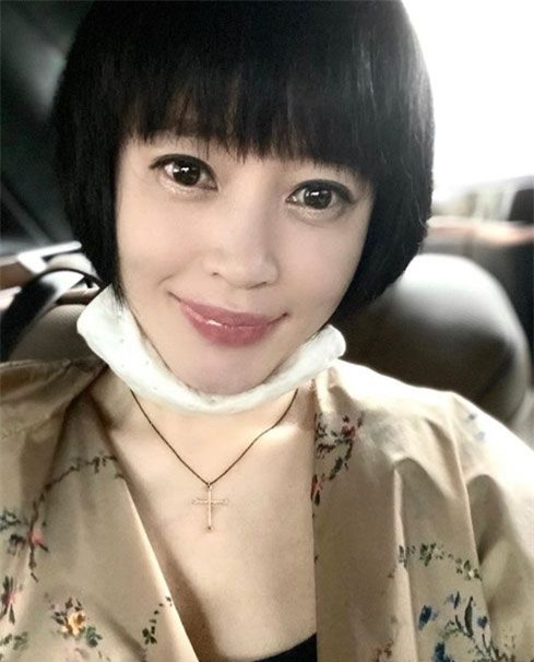 Nhan sắc tuổi 50 của Kim Hye Soo.