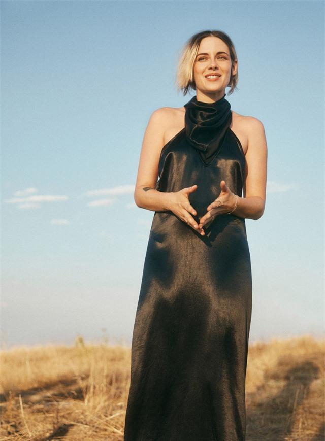 Kristen Stewart bỏ được rượu và thuốc nhờ cách ly đại dịch - Ảnh 1.