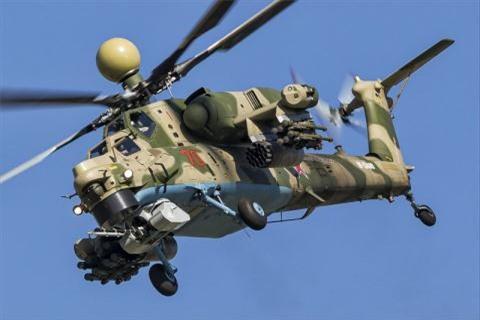 Mi-28NM so huu don danh mau muc bang UAV