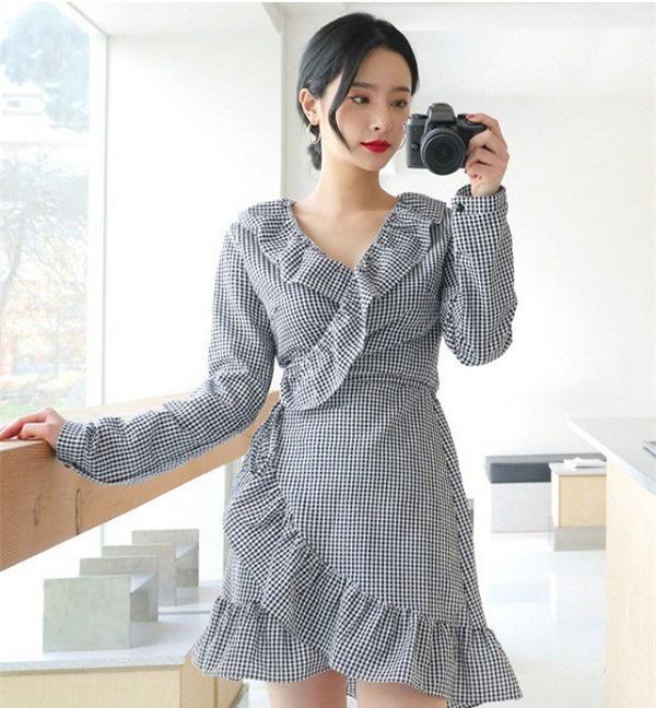 Những kiểu đầm cơ bản mà mọi quý cô nên có trong tủ đồ để luôn mặc đẹp mỗi ngày - Ảnh 14