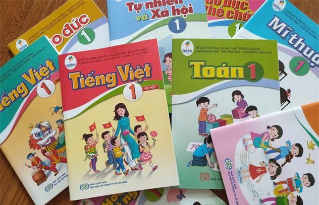 """SGK tiếng Việt lớp 1 nhiều """"sạn"""": Chủ biên chương trình môn Ngữ văn nói gì? - Ảnh 1."""