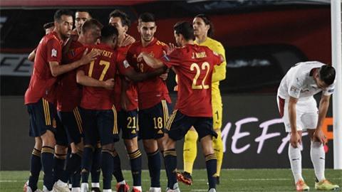 Tây Ban Nha và màn tổng duyệt bất thành