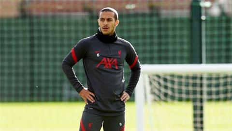 Thiago sẽ trở lại ở trận derby Merseyside