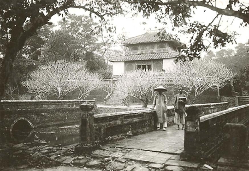 Lăng vua Minh Mạng.