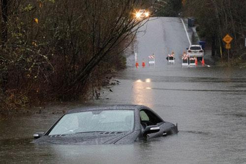 Tình trạng mưa bão sẽ xảy ra nhiều hơn và nguy hiểm hơn do La Nina. (Ảnh: AP)