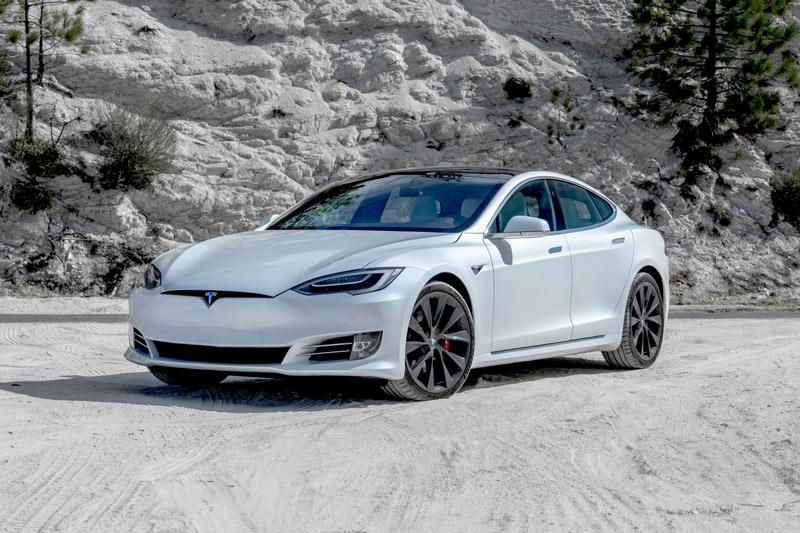 Tesla Model S 2020.
