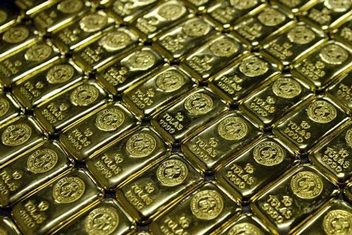 Đến nay, vàng đã tăng hơn 27% và có xu hướng hưởng lợi từ gói kích thích kinh tế. (Ảnh: Yonhap)