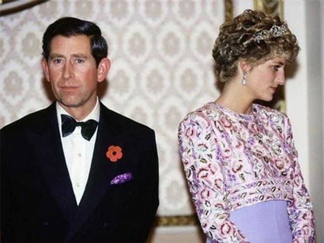 Công nương Diana tố chồng bội bạc trên truyền hình vì không chấp nhận làm bù nhìn 2