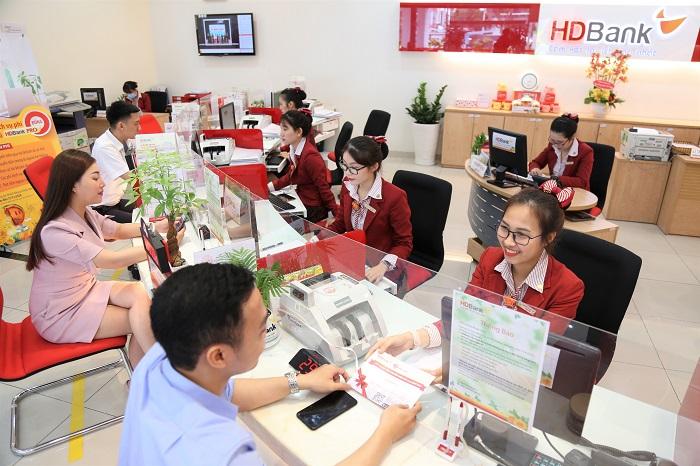 Năm 2020, HDBank là ngân hàng đầu tiên của Việt Nam triển khai nhiều dịch vụ ứng dụng công nghệ hiện đại.