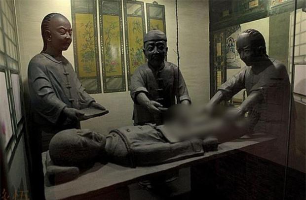 Những người trực tiếp tịnh thân cho trẻ em thành thái giám nổi tiếng nhất triều Thanh - Ảnh 2.