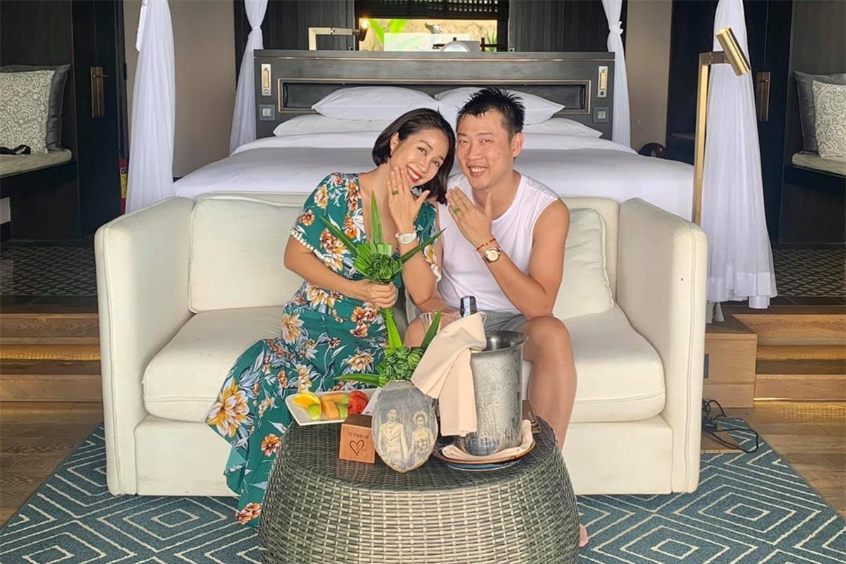 Vợ chồng Ốc Thanh Vân kỷ niệm 12 năm ngày cưới