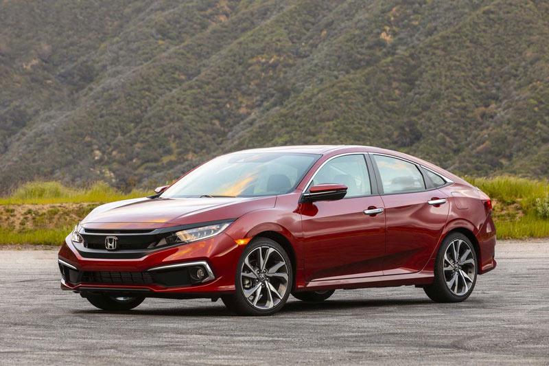 7. Honda Civic (doanh số: 200.941 chiếc).
