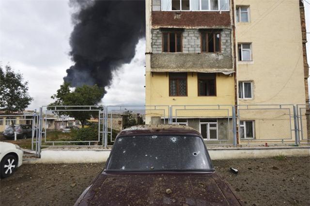 Giao tranh tái diễn tại Nagorno-Karabakh bất chấp lệnh ngừng bắn - Ảnh 1.