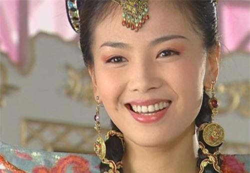 Không phải Hoàng Dược Sư, đây mới là đệ nhất cao thủ dị dung thuật trong phim chưởng Kim Dung - Ảnh 2.