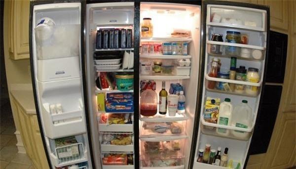 Sau khi mất điện cần kiểm tra cẩn thận các loại thực phẩm để loại bỏ những thức ăn đã hư hỏng.