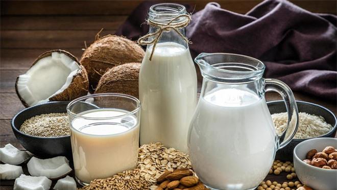 Sữa bò, sữa đậu nành, sữa yến mạch, sữa gạo - loại nào tốt nhất: Chuyên gia dinh dưỡng Úc trả lời - Ảnh 8.