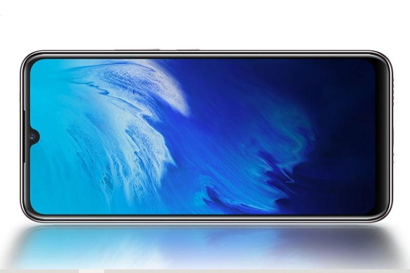 X50e 5G được trang bị tấm nền màn hình AMOLED kích thước 6,44 inch, độ phân giải Full HD Plus (2.400x1.080 pixel), mật độ điểm ảnh 409 ppi. Màn hình này được chia theo tỷ lệ 20:9.