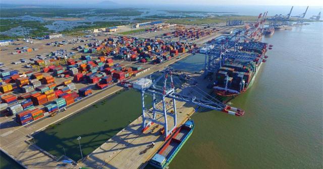 TP.HCM đề xuất thu phí cảng biển - Ảnh 1.